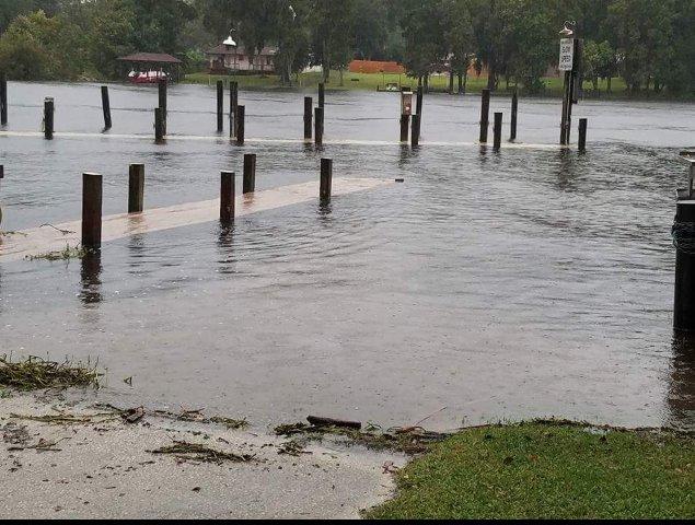 Fcnstorm photos hurricane matthew prep for Whitey s fish camp menu